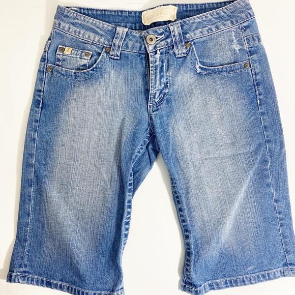 ⭐️Vintage Above Knee Denim Shorts Size 5⭐️